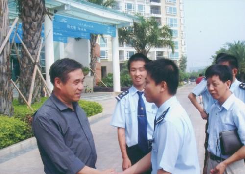 耿校长看望深圳就业学生