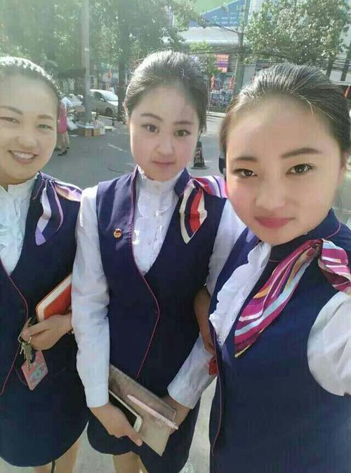 就业于北京高铁乘务的邢二丽