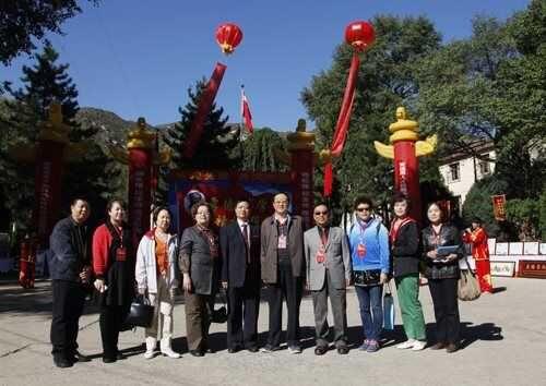 北京慈善协会常务副会长雷占全率队参加我校十年校庆